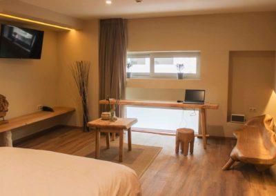 Hotel_room_Flora_01