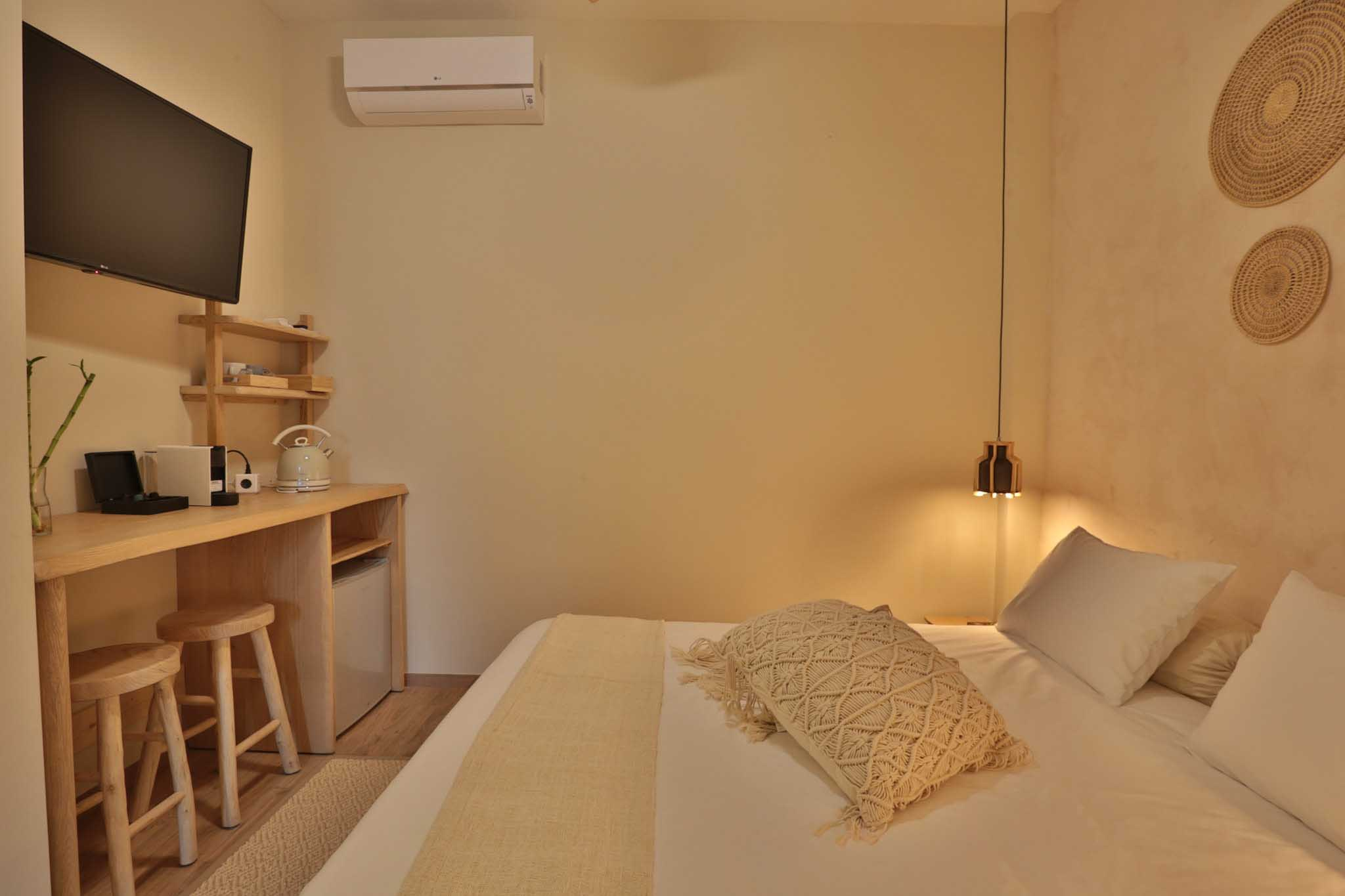 Hotel_room_Jasmine_01