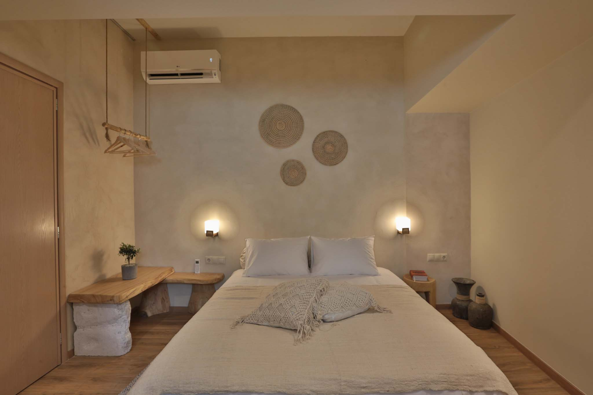 Hotel_room_Luna_01