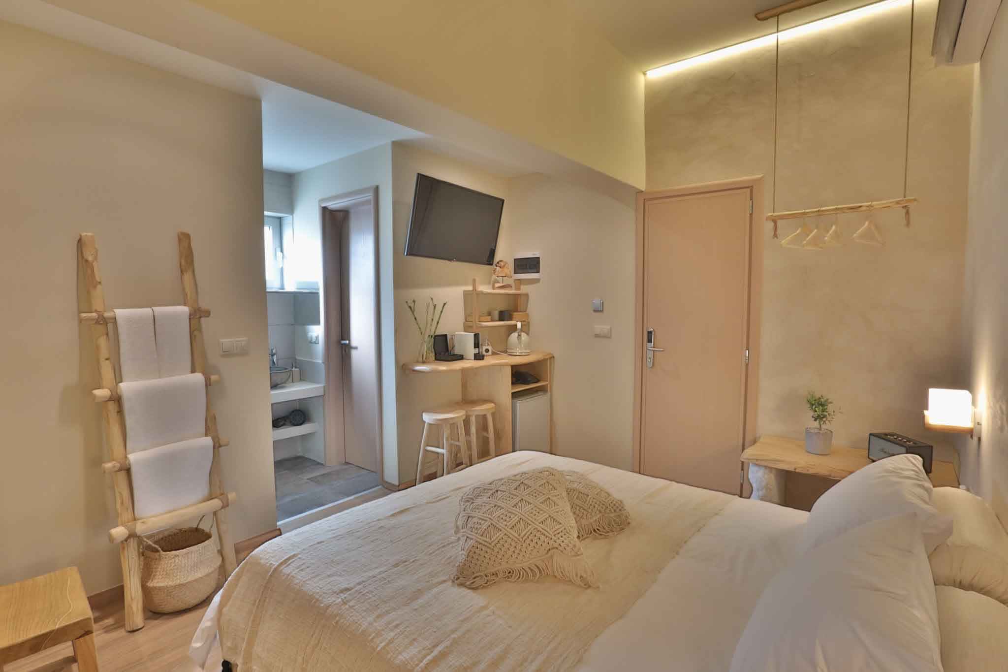 Hotel_room_Luna_02